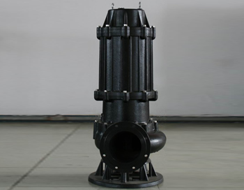 采用外循环冷却系统,使排污泵低水位运转